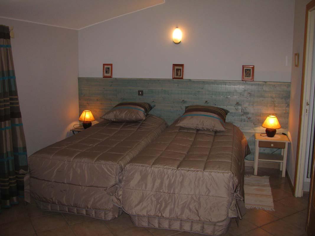 Chambre Les Marronniers    2 lits 90x200